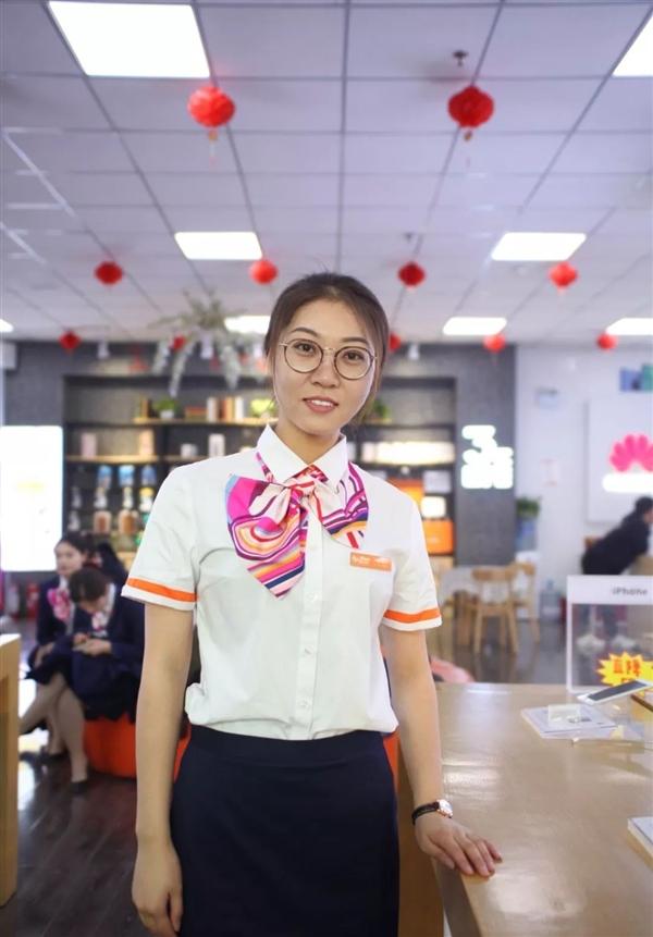 中国联通更换全新工装:小姐姐高颜值秀的照片 - 12