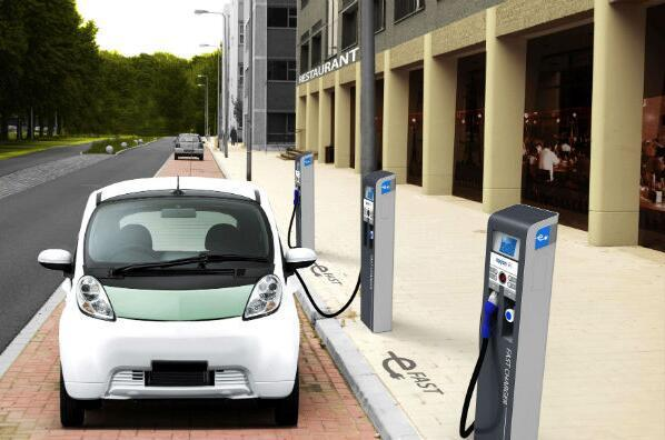 """新能源汽车后市场发展""""拖后腿"""",杉车网、易车网分唱何种角?"""
