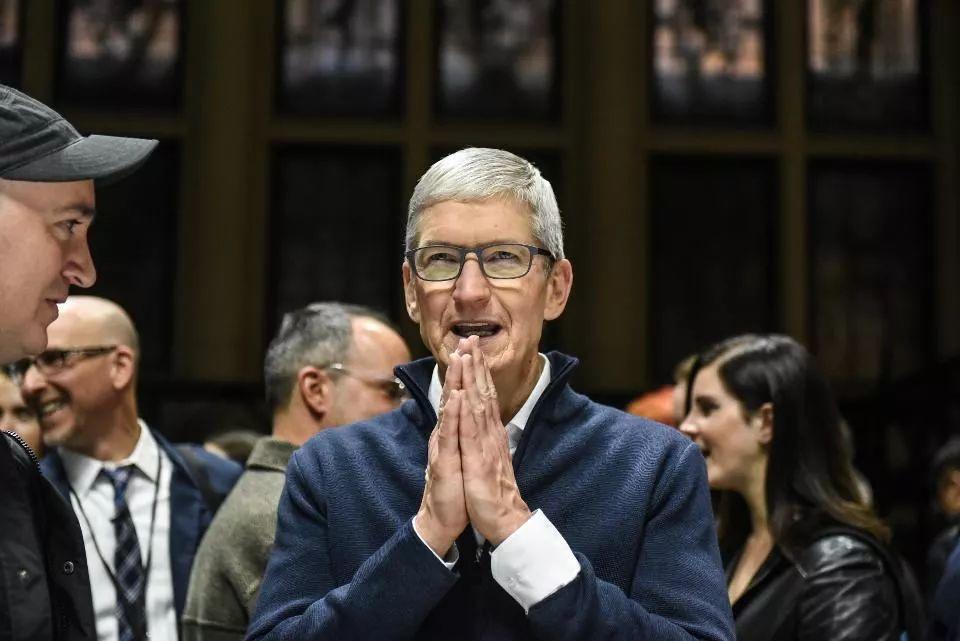 苹果公司股价1月3日爆跌