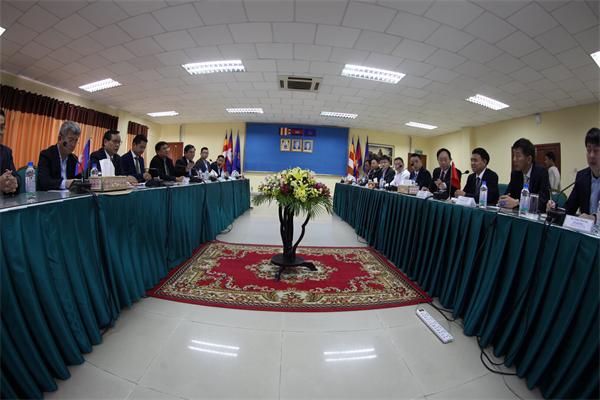 """金庆培:""""为大无外""""的阐释——在柬中经贸合作部长理事会上的讲话"""