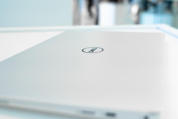 戴尔发布新款XPS 13笔记本 摄像头终于重回屏幕顶部的照片 - 3