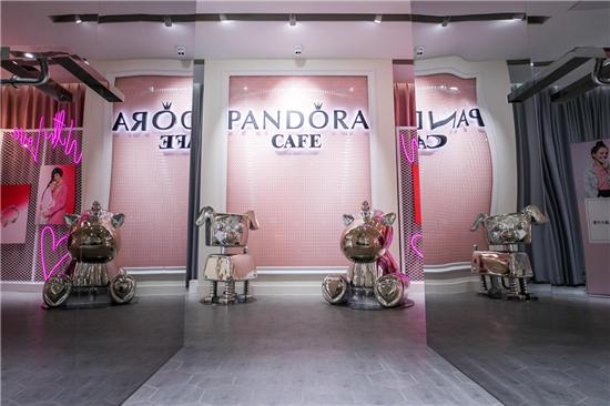 全球首家Pandora Café冬日暖心揭幕