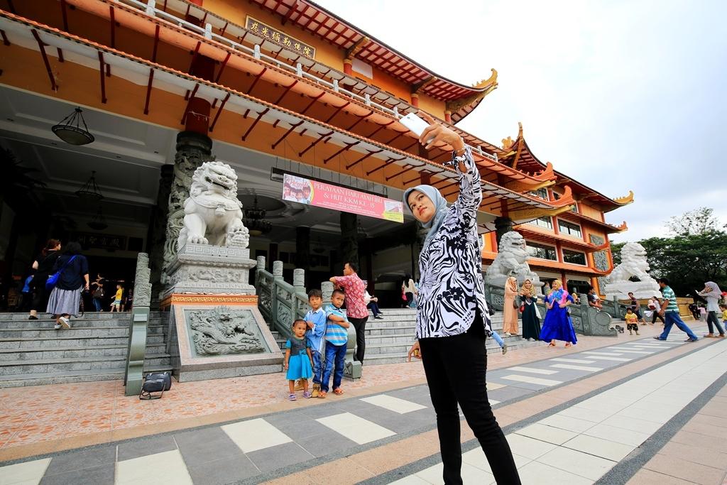 昔日印尼首富居然是广东人,娶欧洲美女为妻,后代已无华人长相