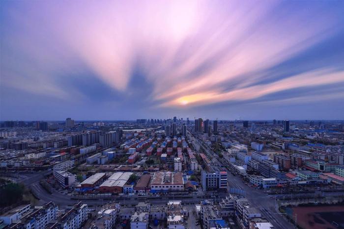 2018成都楼市最新消息 一二线楼市将触底缓慢回升,三四线可能再也没这个机会了