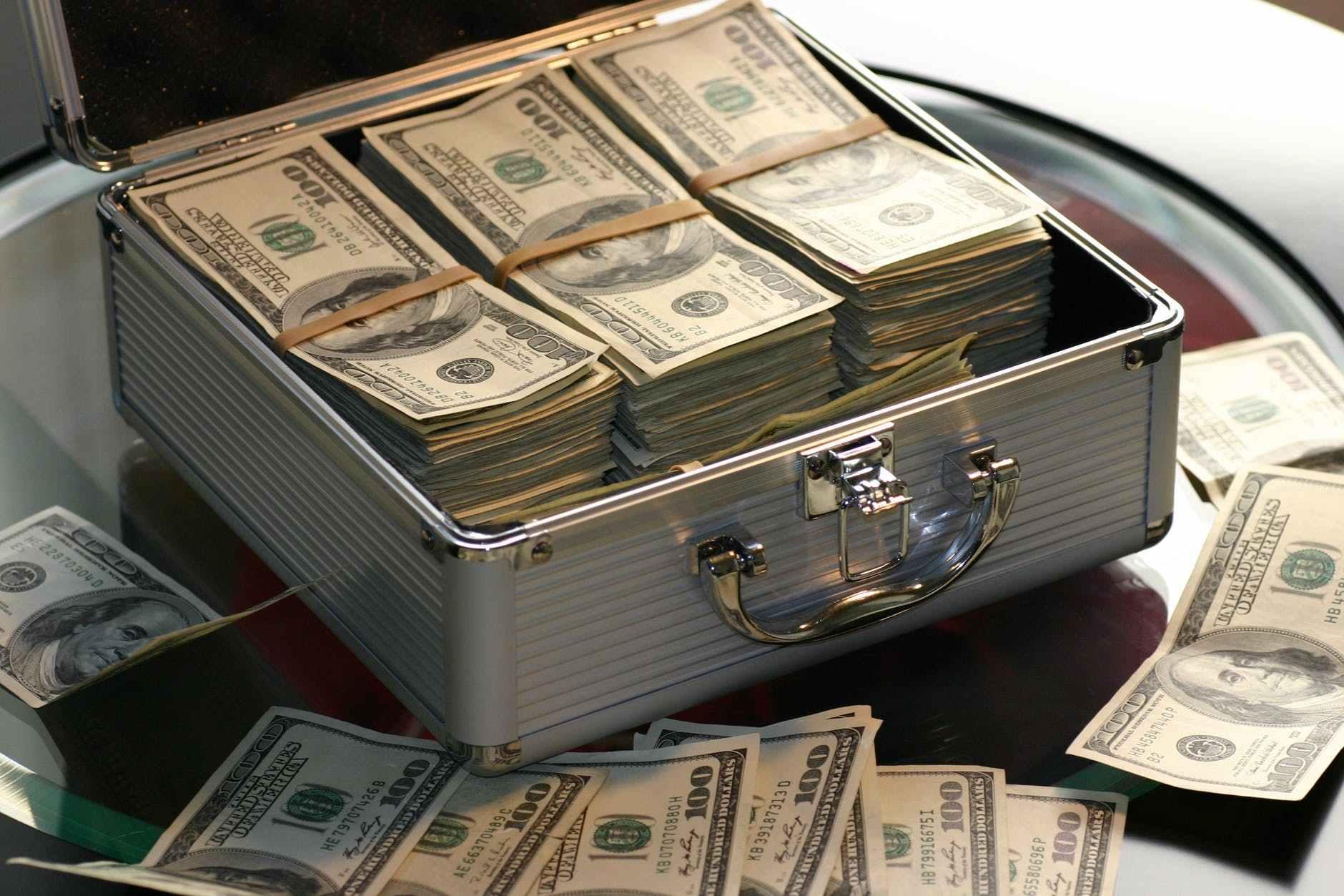 投资赚钱应该如何找到好项目 ,挣到人生的第一桶金呢?(图1)