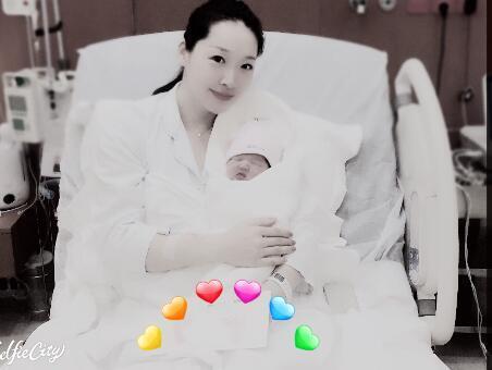 奥运冠军罗雪娟宣布二胎产女 直言经历了80分钟急产