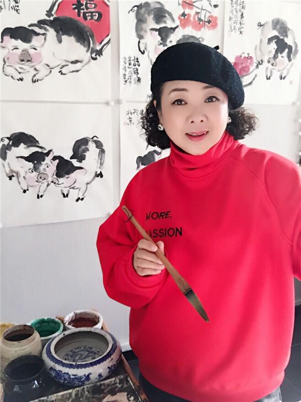 拙笔写猪贺新春――读李若清写意猪系列作品有感