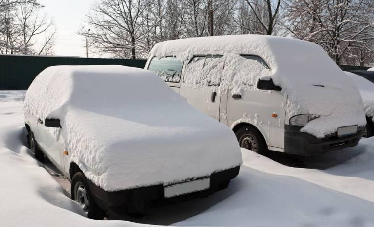 冬季除了开车要注意 还有这些停车讲究