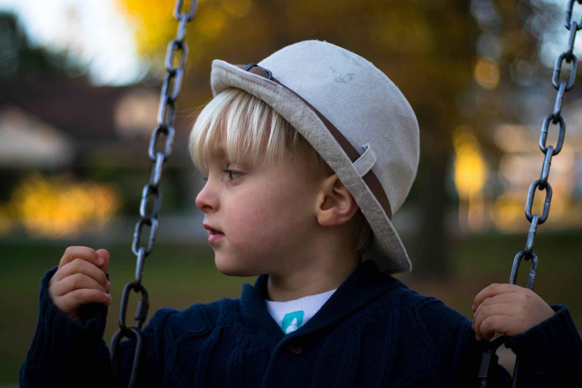 「孩子經常被欺負還不還手?你是不是傻啊?」試試這樣教育孩子