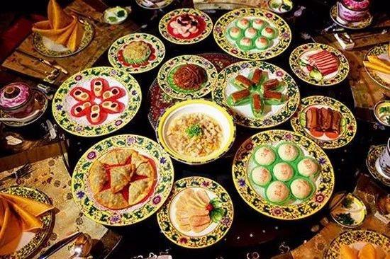 清朝皇宫里过年,宫女太监们都吃什么?