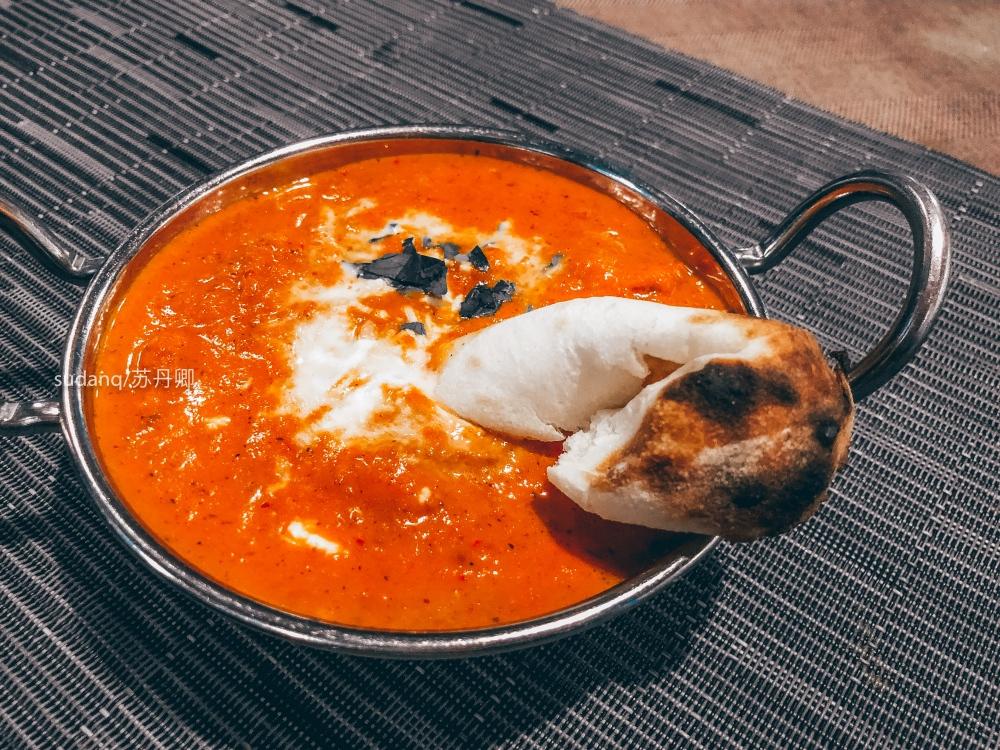 拉萨旅游吃什么:来一份玛莎拉鸡配楠,比玛吉阿米餐厅实惠