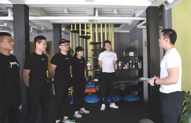 567GO健身教练培训优秀学员付瑞祥指导会员