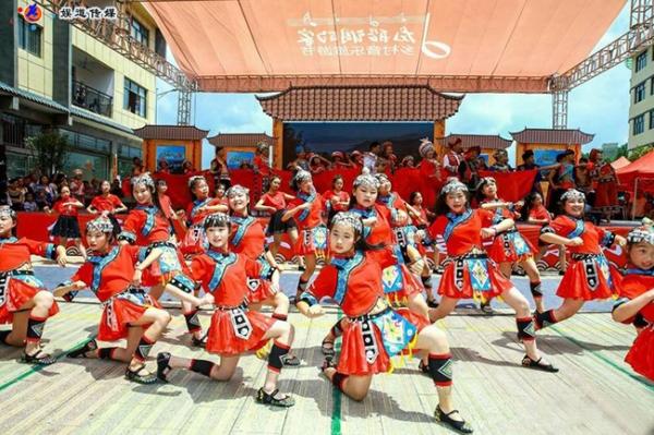 中国舞蹈家夏冰