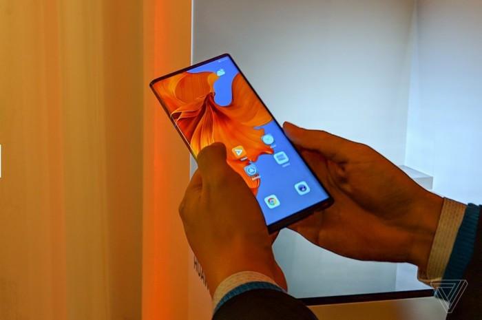 Huawei Mate X 真机图赏与简评:约合1.75万人民币的照片 - 8