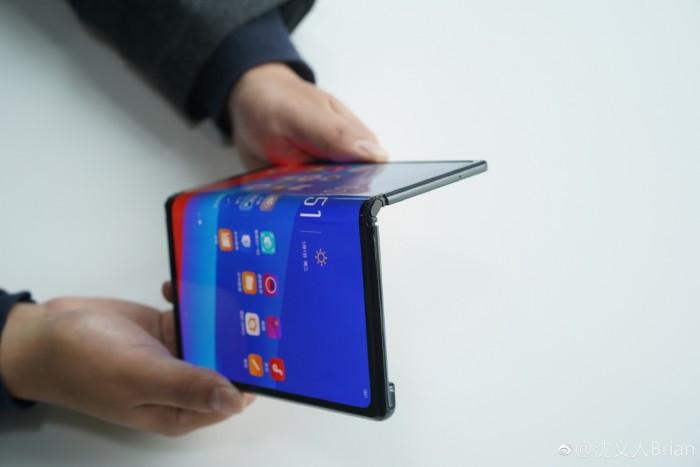 OPPO展示了自己的可折叠手机 但并不一定会发售的照片 - 2