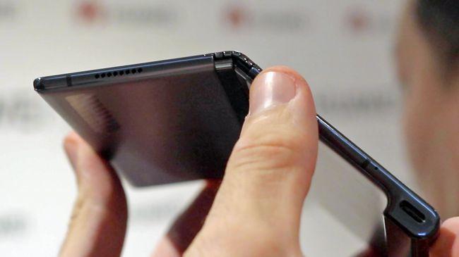 外媒上手折叠屏手机Mate X:感觉不到中间有折痕的照片 - 9
