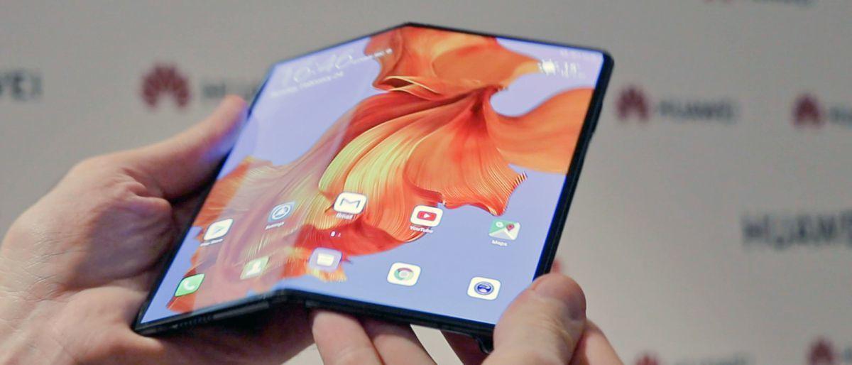 外媒上手折叠屏手机Mate X:感觉不到中间有折痕的照片 - 4