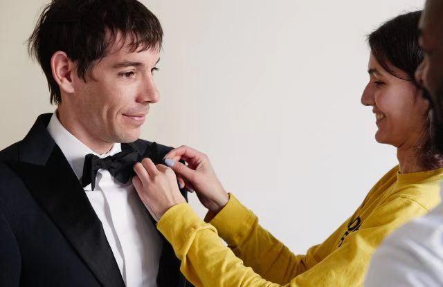 Alex Honnold身着The North Face礼服首次亮相并斩获奥斯卡