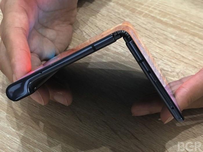 华为可折叠手机Mate X现场上手:效果惊艳的照片 - 9