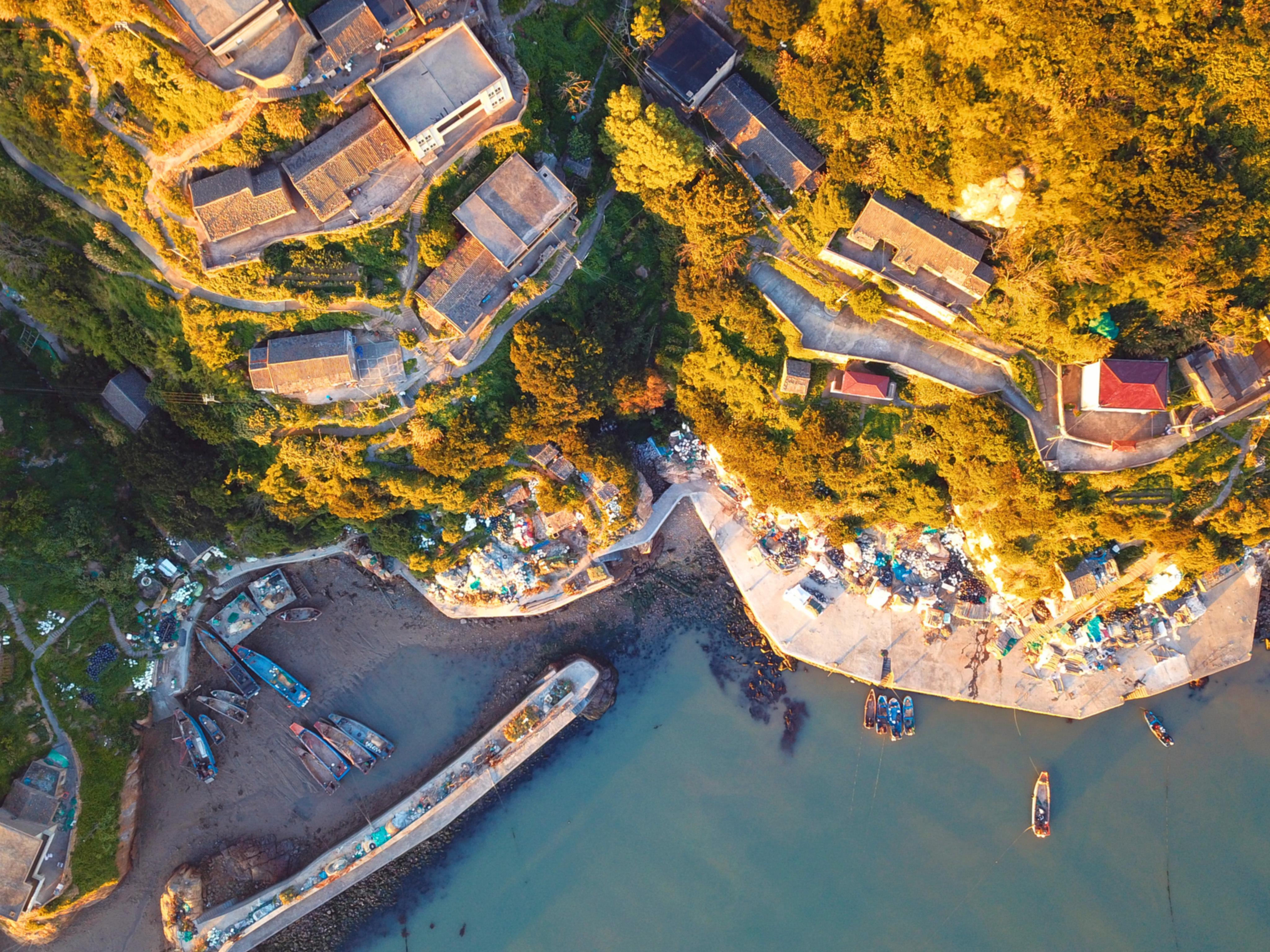 航拍中国发现最安静的小岛 觉得在这里大声说话都不合适