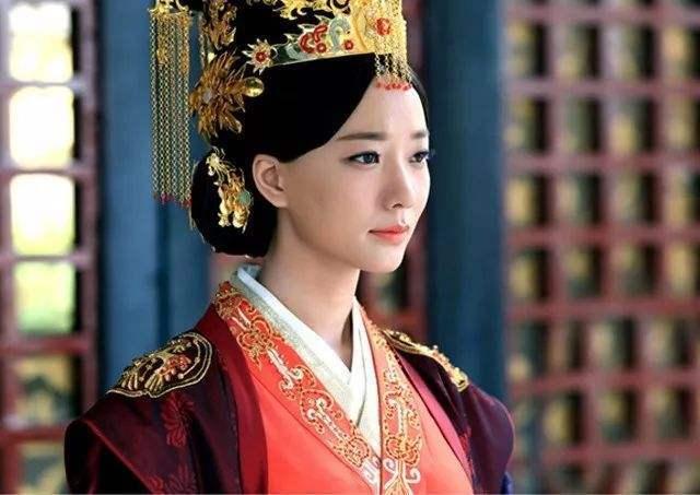 最美匈奴皇后,被儿子强行纳为贵妃,每天忍辱负重-雪花新闻