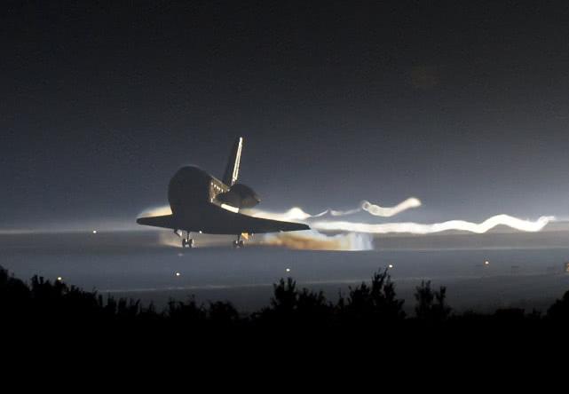 SpaceX载人版龙飞船成功返回地球的照片 - 8