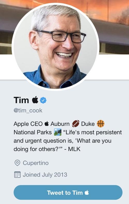玩坏了 – 库克配合总统口误把推特用户名改成了Tim Apple的照片 - 2