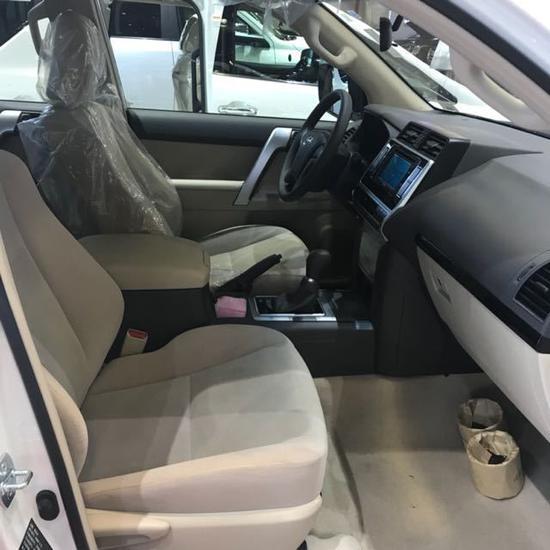 18款丰田霸道4000现车充足支持全国分期