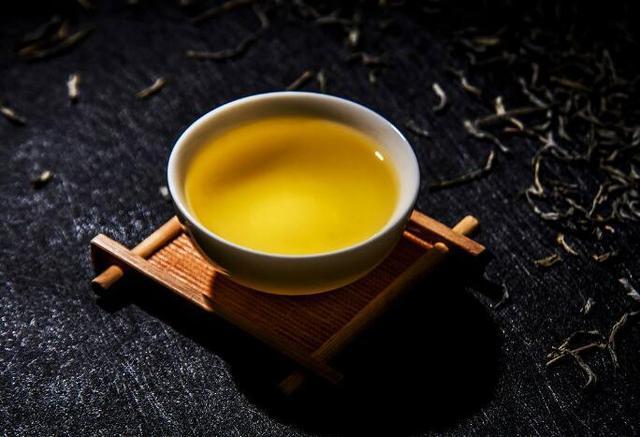 一天怎么喝茶才正确,如何冲泡出一杯好茶呢?