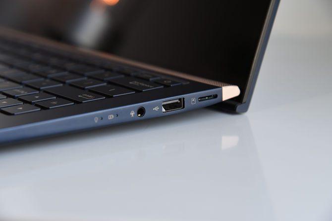 轻薄小巧13.3英寸笔记本电脑:华硕灵耀Deluxe 13