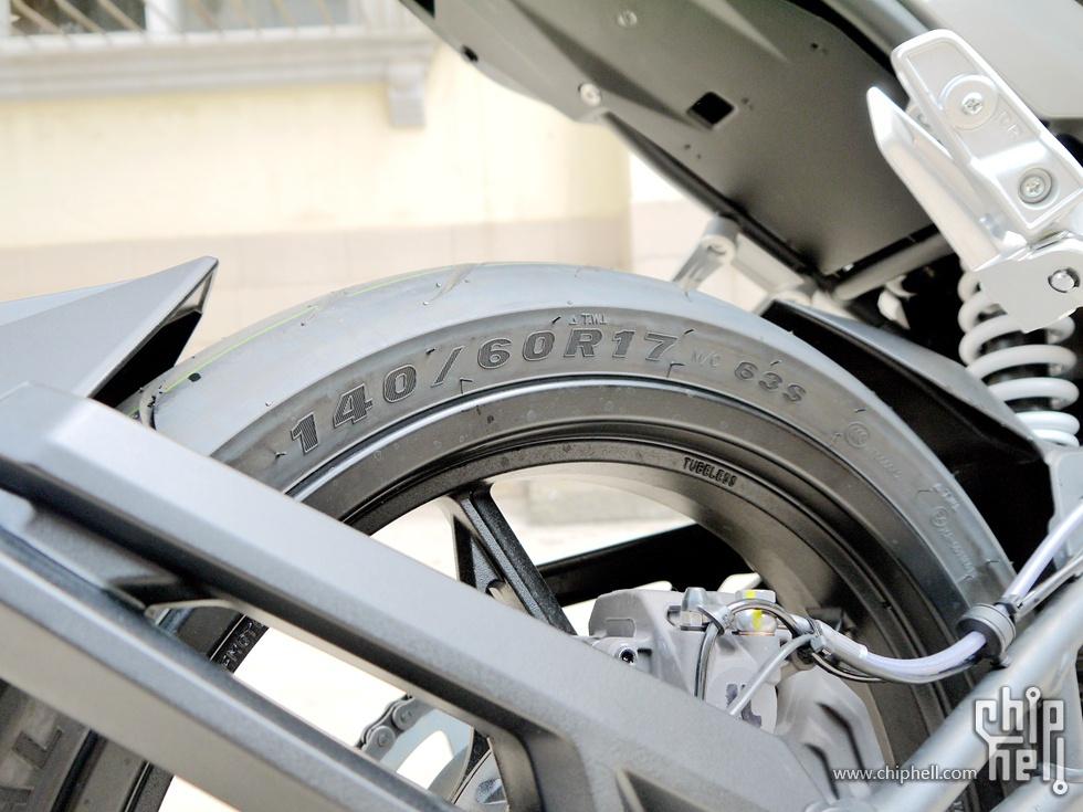 人生首辆摩托春风250NK提车使用分享