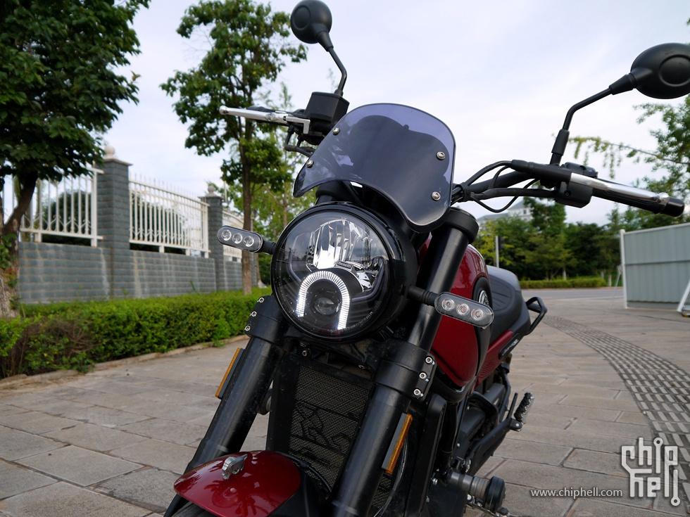 最美国产摩托车之一:贝纳利幼狮500