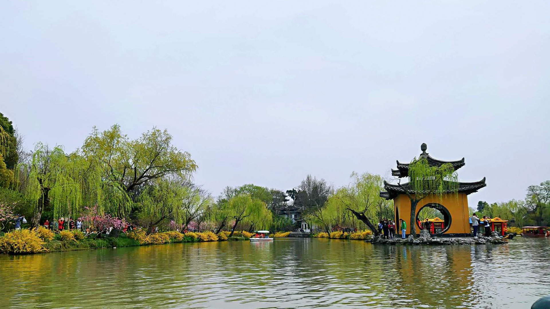 烟花三月下扬州!春天在美丽的瘦西湖游玩风景真是如画