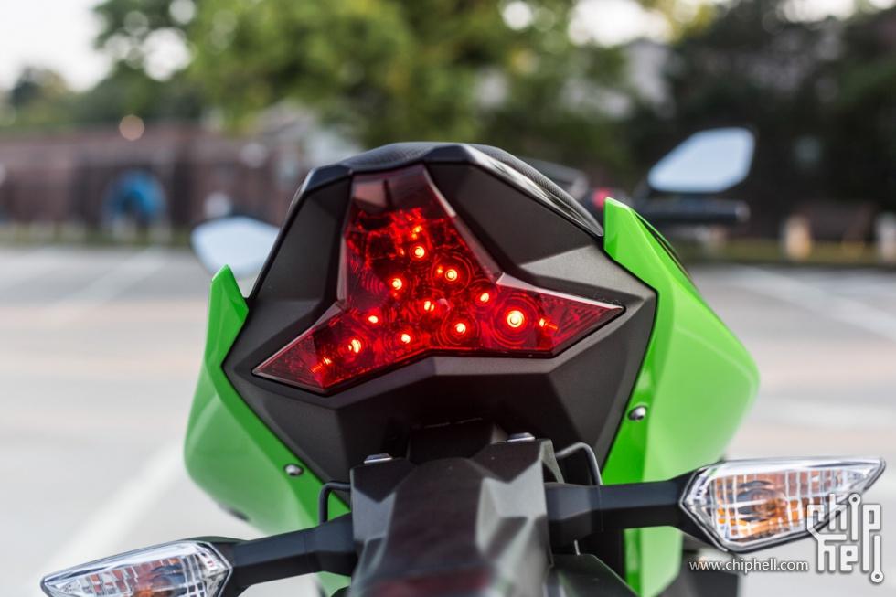 小哥芝加哥购买评测Kawasaki Ninja 400 ABS摩托车