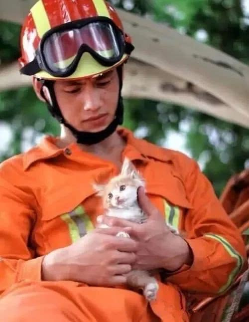 泪目!这是牺牲消防员最后的朋友圈