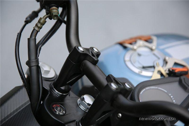 复古车爱好者新选择试驾自主力帆KPM200