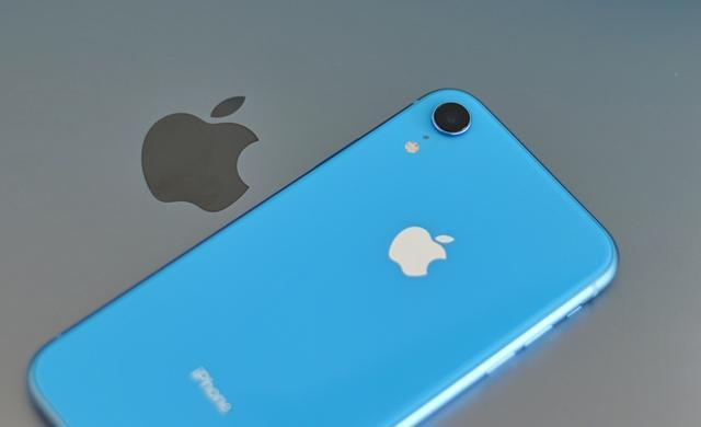iPhone销量一蹶不振,倒逼苹果走无人走过的路!