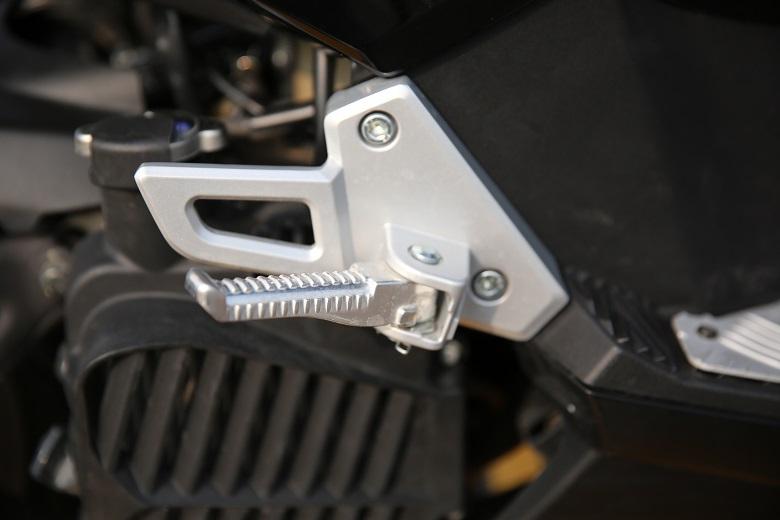 合资国四水冷运动型踏板机车:标致新SPEEDFIGHT