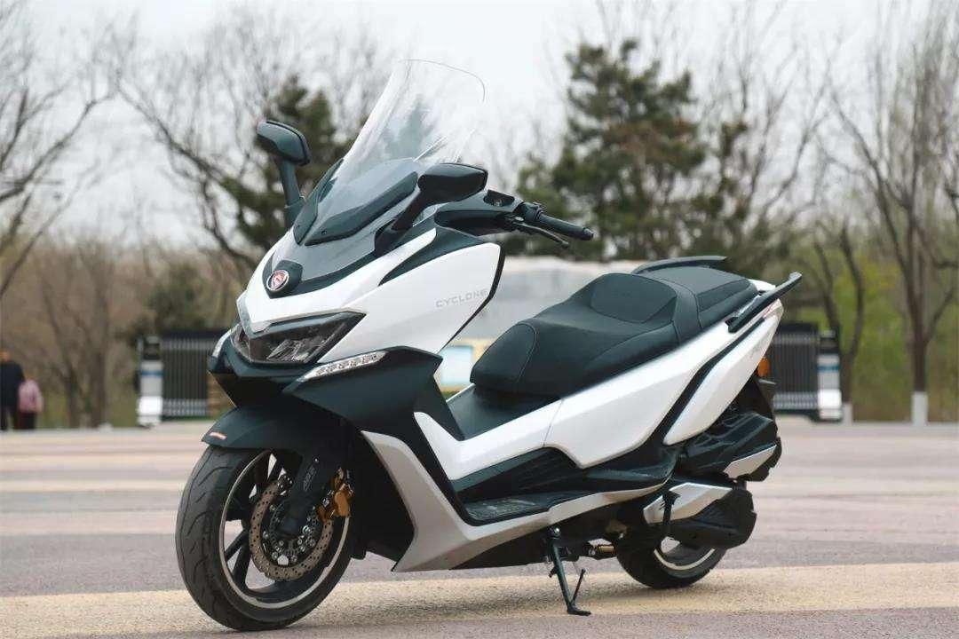 关注度高的五款中量级踏板车之一:赛科龙RT3睿途