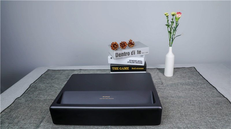 好物推荐WEMAX ONE Pro激光电视:画质4K大屏首选