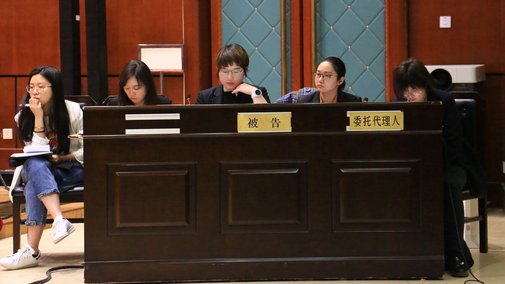 电影《芳华》被诉剧本抄袭 冯小刚严歌岑等人遭百万赔偿