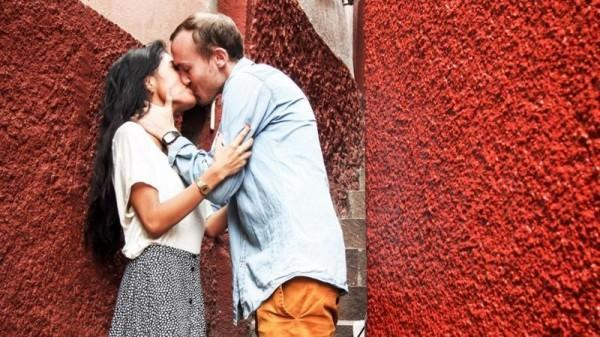 不要在这里接吻!——哪些国家禁止在公共场所接吻? 趣闻 第3张