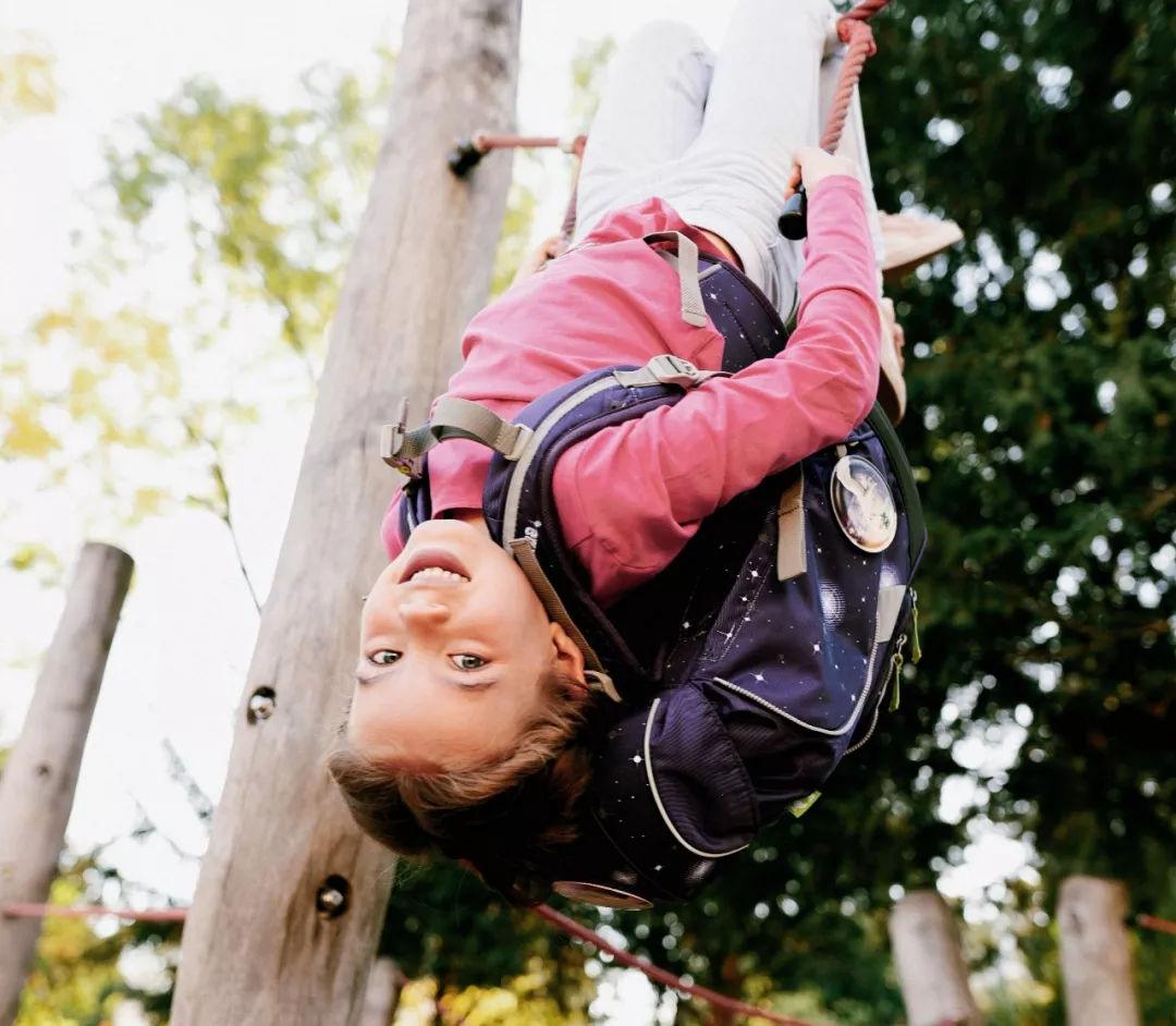 德国测评界奥斯卡结果显示:最适合儿童的书包是ergobag