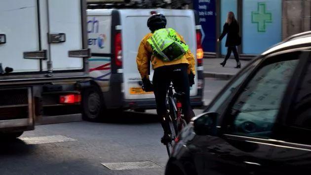 自行车安全通勤技巧