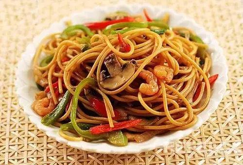 华南福州厨师学校分享煮饭炒菜不粘锅的小窍门