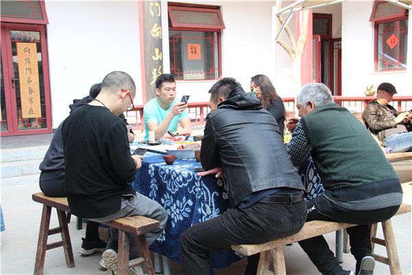 予觉学社与艺美视界授权仪式在宋庄国画院举行