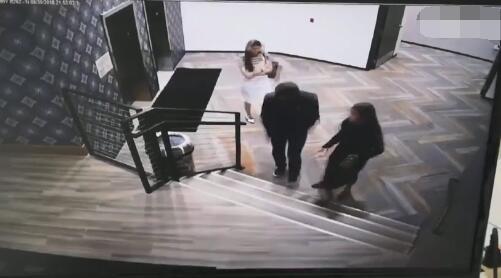 疑似刘强东案录音曝光 内容为两名女性谈话