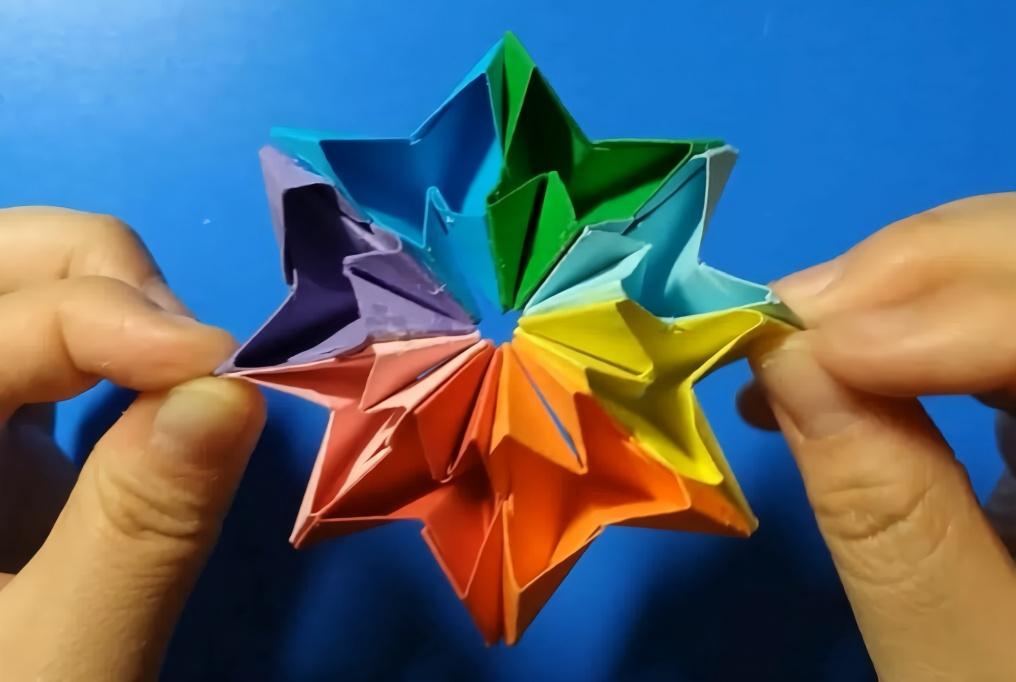手工折纸教程:五彩的桃心翻花,漂亮好玩又简单!_网上赚钱揭秘