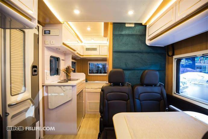 用好的产品 让房车生活触手可及 ——RV80 C型小额头上海车展公布价