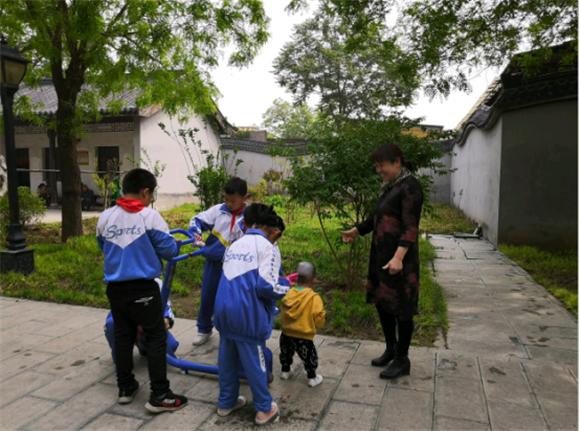 德孝中华周刊助力河北栾城区李冶街小学争当创城小卫士行动